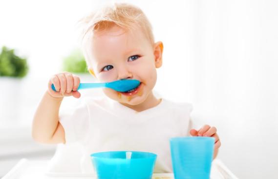 «Несварение желудка» у ребёнка: что делать и как помочь детскому пищеварению?